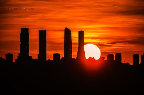 Atardecer de otoño en Madrid _DSC8694 r 72 es c ma | by tomas meson