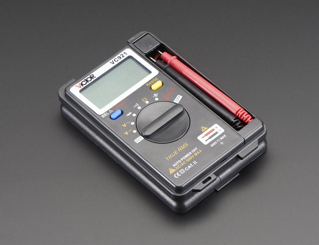 Multímetro digital de bolsillo con rango automático