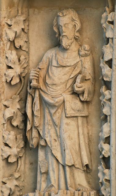 Bordeaux, cathedral, south transept portal (c. 1315), archivolt, apostle (James the Greater)