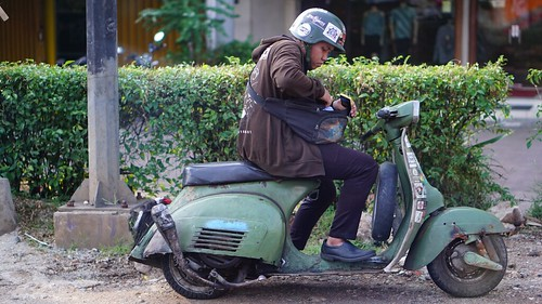 Vespa is abit rare these days, so why dont shoot one when you see it