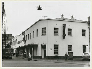 Earl of Zetland Hotel, 44 Flinders Street, 1964