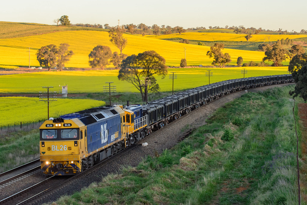 BL26-48159 with 8932 at Jindalee by Luke's Rail Gallery