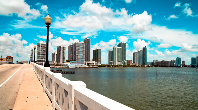 A view from the Venetian Causeway. © ®