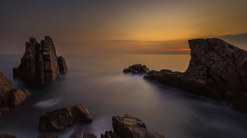 acqua clouds cielo enricocusinatti long exposure lungaesposizione italy italia liguria viaggi longexposure mare nuvole orizzonte rocks sea sky sunset scogli travel tramonto
