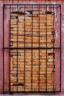 Loved no more - Home improvement in San Miguel de Allende, Mexico   by Phil Marion