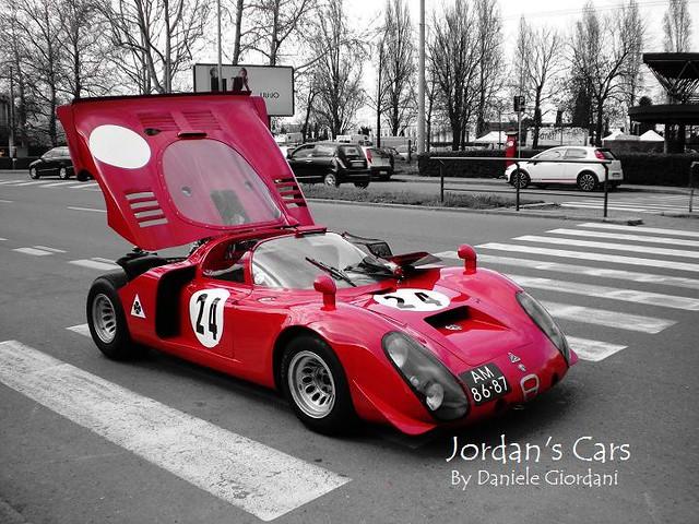 Red Alfa Romeo 33.2