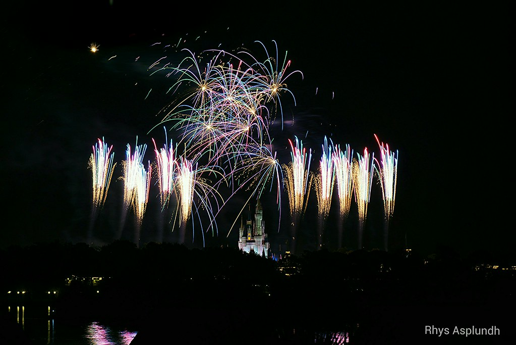 WIshes: Magic Kingdom Fireworks | Rhys A  | Flickr