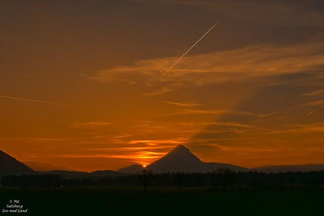 Abendsonne hinter dem berg