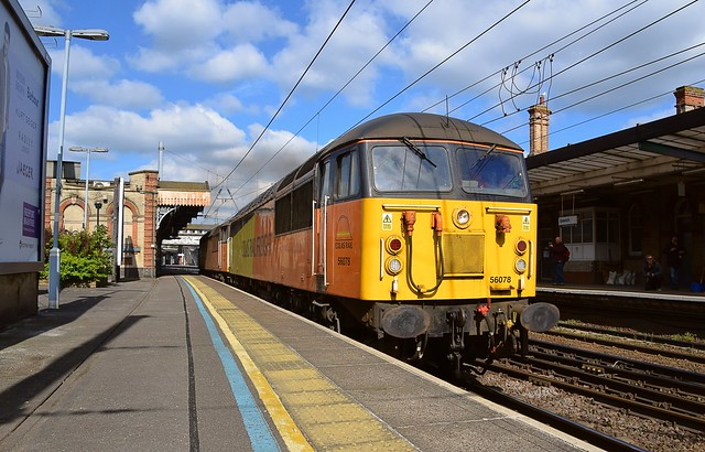 Enroute to Neasden, 56078 & 56087 pass through Ipswich Station, after taking fuel, on the Freightliner Fuel Line. 19 04 2017