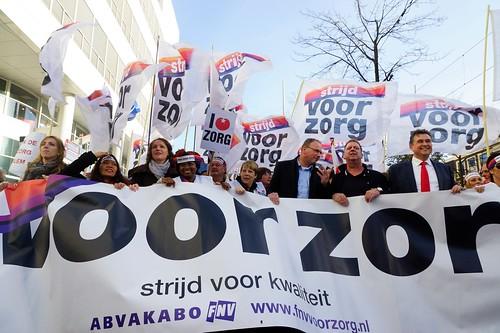 Grote demonstratie tegen Wet Landurige Zorg | by Roel Wijnants