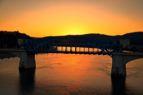 blue sunset red orange reflection chattanooga water yellow evening twilight flickr glow tn dusk tennessee halo northshore tennesseeriver marketstreetbridge