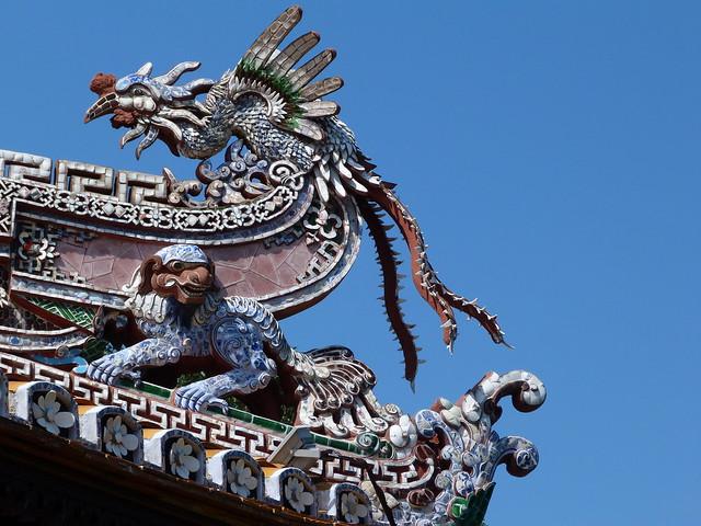 Detalle de un tejado de Vietnam