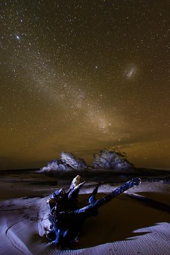 lightpainting night stars rocks australia newsouthwales nambuccaheads milkyway