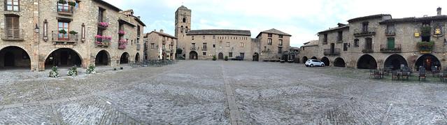 Plaza Mayor de Ainsa (Huesca)