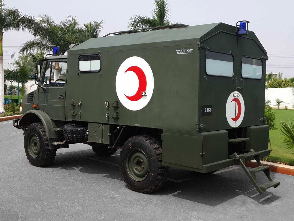 MERCEDES-BENZ-UNIMOG 1975-1993 '435' 001   Ambulance convers…   Flickr