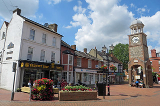 Chesham High Street | by diamond geezer