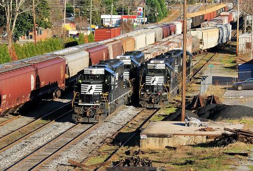 norfolksouthern ns railway centralofgeorgia cofg railroad southern sou griffindistrict griffin georgia emd sd402 3318 gp382 5622 manifest train yard