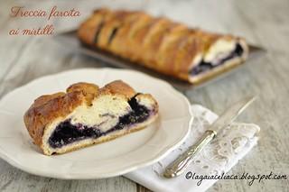 treccia farcita ai mirtilli senza glutine / gluten free blueberry braid | by mammadaia