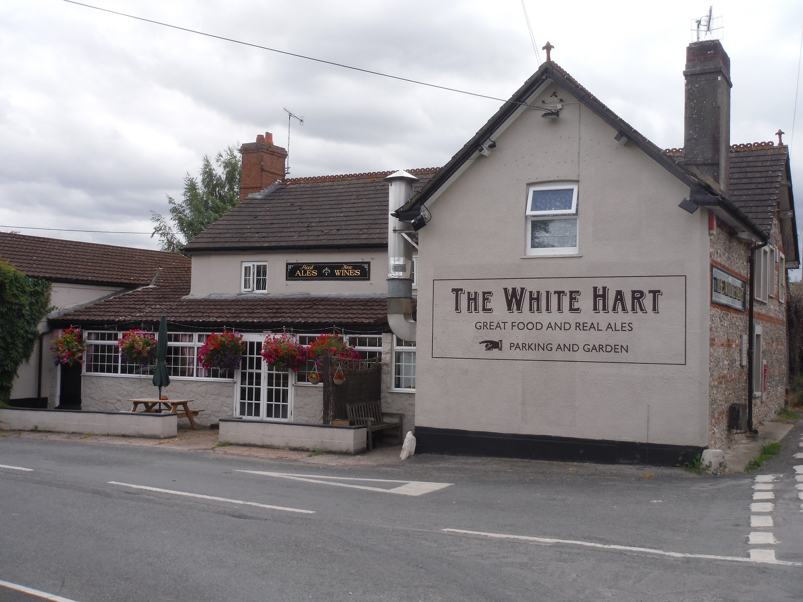 The White Hart, Bishopstone SWC Walk 254 Salisbury Circular
