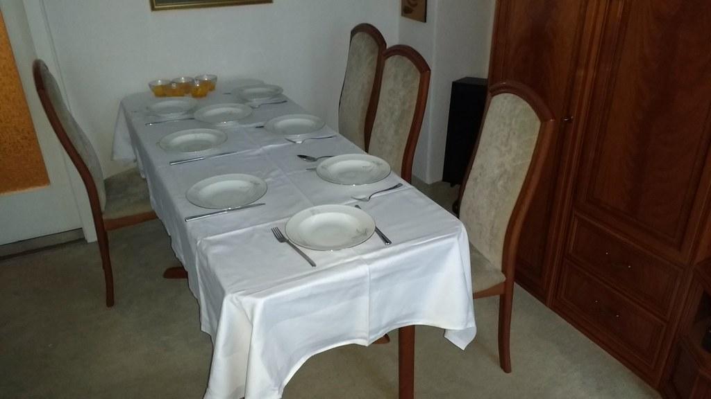 Wohnzimmer Esstisch Ausgezogen Und Stuhle Wolflars Flickr