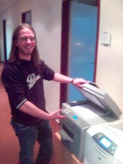 Ein Mann und seine Maschine