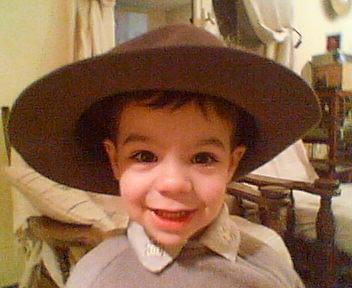 Jad avec le chapeau de Papy