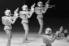 músicos robots en la Expo de Aichi (Japón)