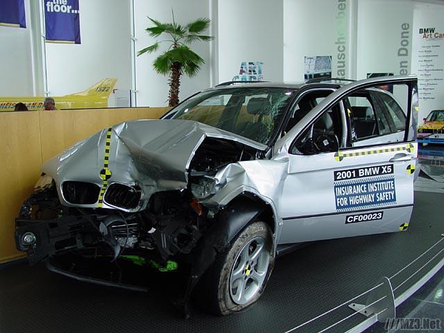 Bmw X5 2003 Crash Test Tested By Euroncap Safety Rating Flickr