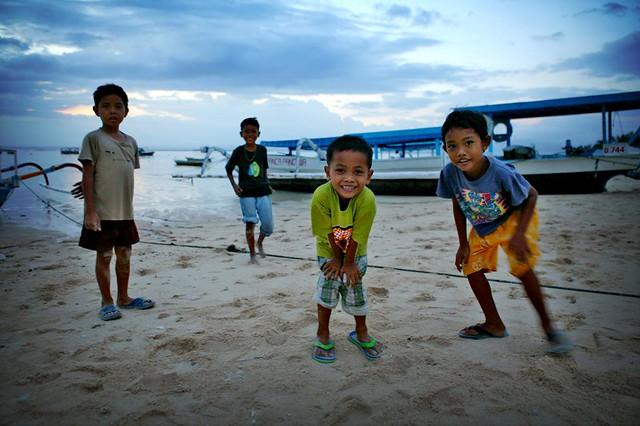4 curious kids