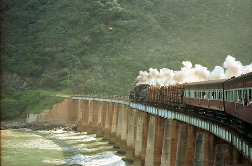 africa bridge classic train wow river southafrica geotagged published famous railway steam fave locomotive wilderness rivermouth kaaiman geo:tool=yuancc outeniquachootjoe abigfave bfv1 geo:lat=3399776 geo:lon=22557743 edendistrict