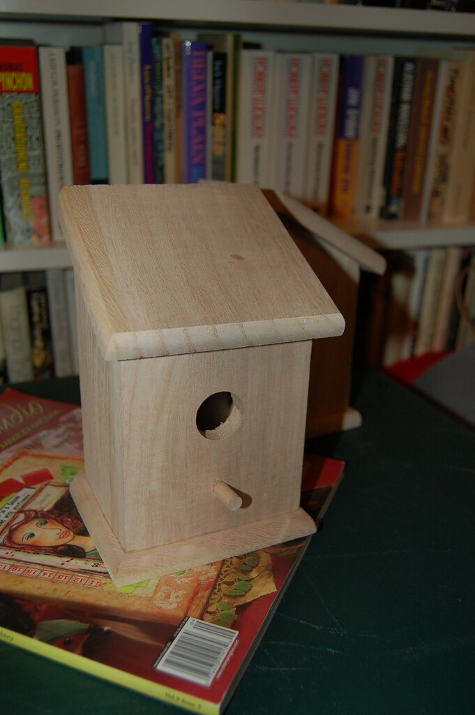 Mini bird house in wood to paint, photo copyright Hanna Andersson