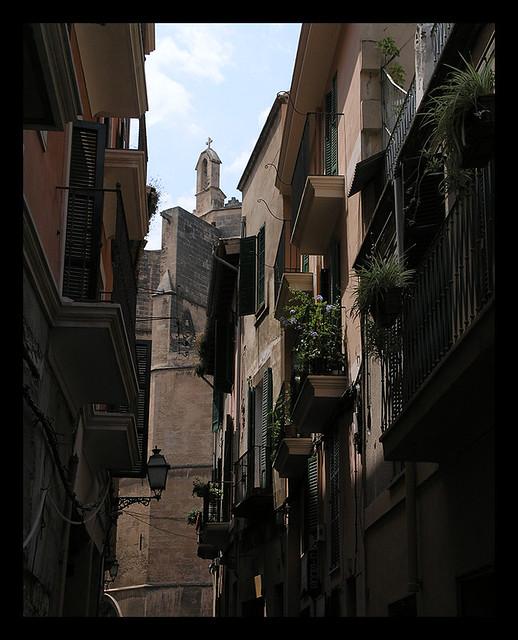 Mallorca alley view