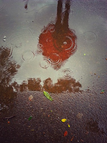 india reflection girl rain umbrella puddle streetphotography samsung monsoon raindrops ripples mumbai s3 rains cellphonephotography mobilephotography samsunggalaxys3