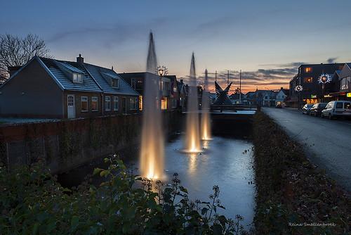 reinasmallenbroek leek netherlands water fontein fountain town village dorp zonsondergang sunset cityscape canon