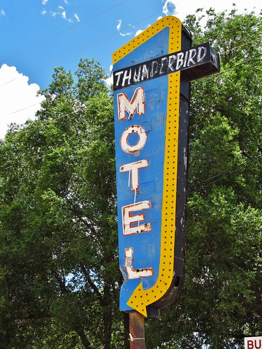canoncity colorado roadtrip neonsign neon sign thunderbirdmotel motel
