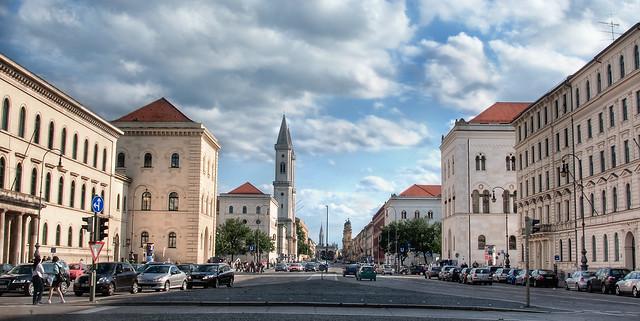 Crossing at Ludwig-Maximilians-University in Munich