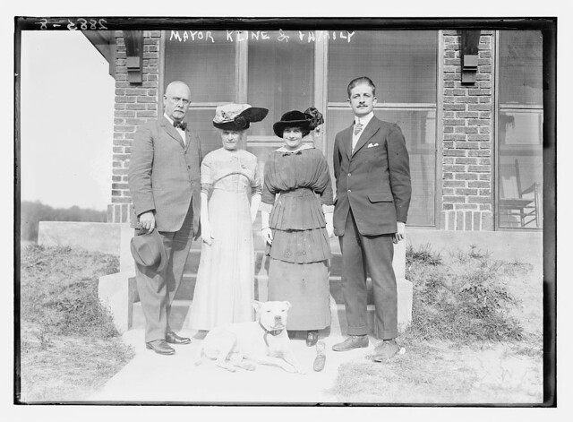 Mayor Kline & family  (LOC)