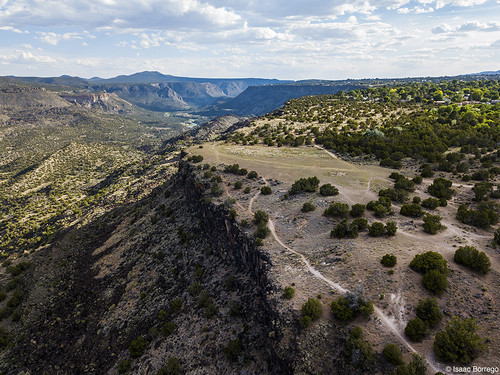 uploadedviaflickrqcom canyon trails shadows mesas clouds sunset riogrande whiterockcanyon newmexico djimavicpro aerialphotography drone whiterock unitedstates america usa