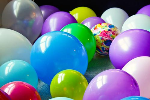 Beaucoup des Ballons!