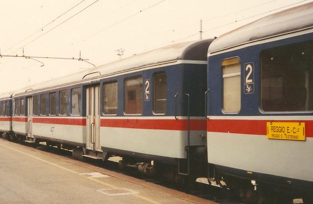 ACT0075a Zoom sulle carrozze ex-FFS a Reggio Emilia