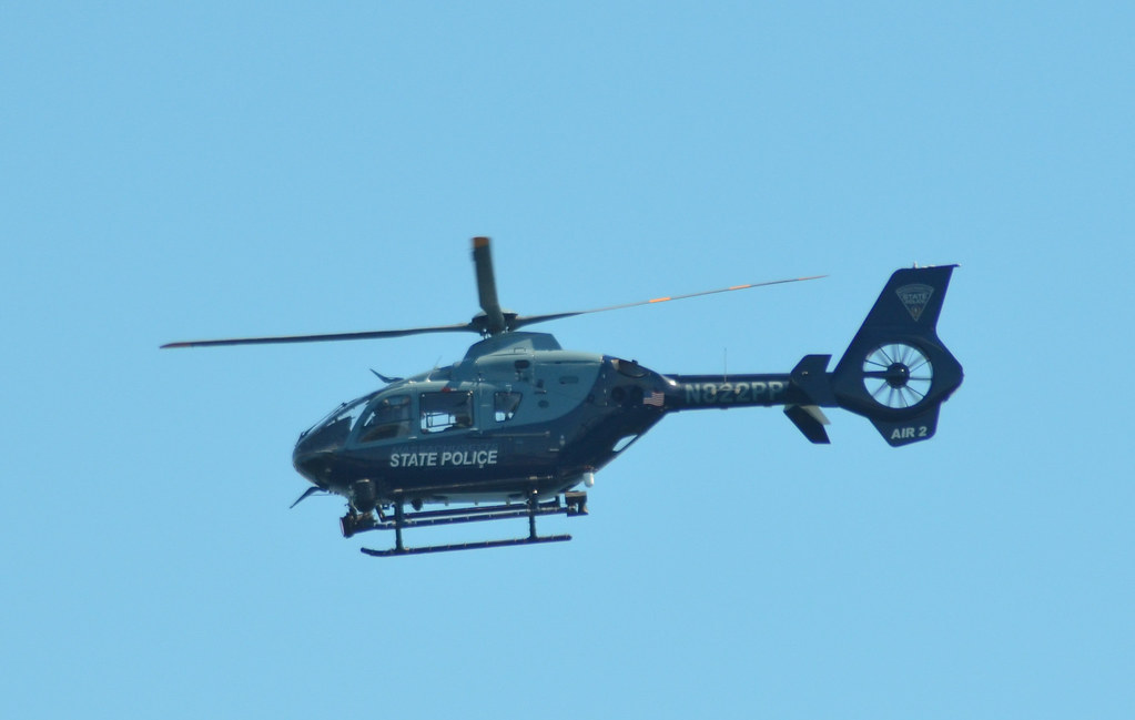 Why Are Helicopters Flying Over Boston Today >> Massachusetts State Police N822pp Flying Over Boston Harbo Flickr