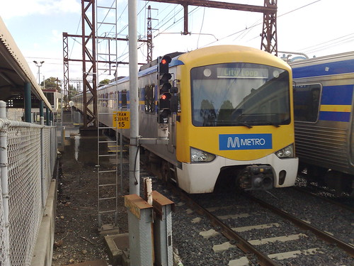 Siemens train, temp Metro signage