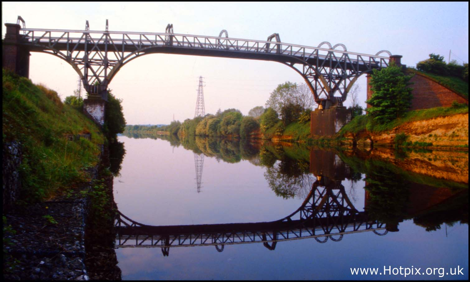 manchester,ship,canal,co,company,MSCC,grappenhall,stockton,heath,cantilever,bridge,warrington,cheshire,england,uk,britain,water,over,head,overhead,still,summer,mirror,image,reflection,glass,Chehire,hotpics,hotpic,hotpick,hotpicks,hot,pics,pix,picks,hotpix.freeserve.co.uk,hotpix!