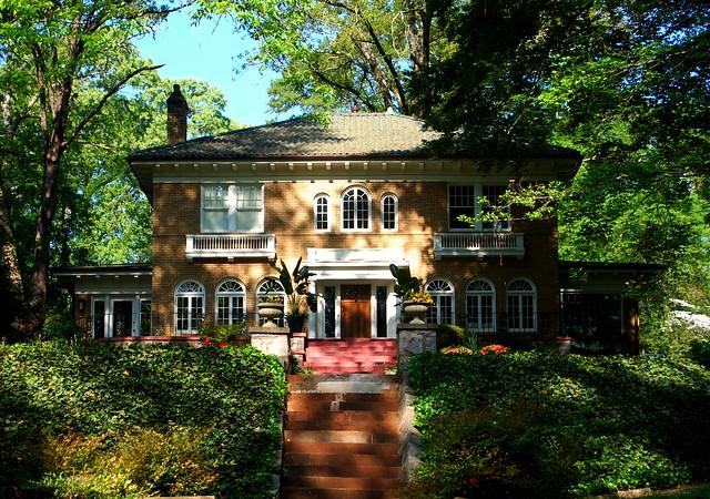 Classical Symmetry in Atlanta's Druid Hills