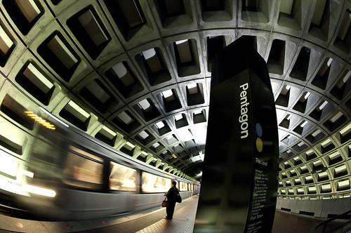 Pentagon  / El pentágono (la estación del metro) | by sari_dennise