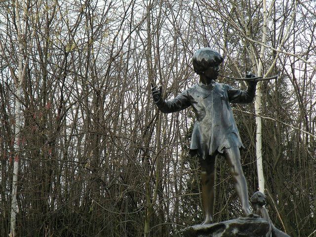 Peter pan's sculpture