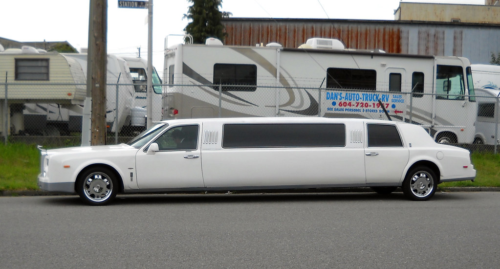 Rolls Royce Limo >> Fake Rolls Royce Limo This Type Of Limo Really Completely