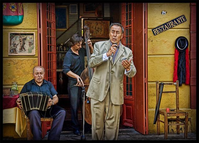 La Boca. Musicians...