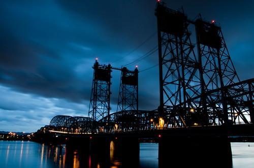 night oregon washington nikon bridges explore columbiariver bluehour lowangle vancouverwa d90 interstatebridge nikkor18105mmafsdxf3556gedvr 2010365dpsassignment riesepix