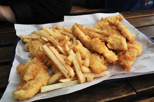 newzealand food fish beer paper nikon yum chips delicious potato nz fried serving batter tauranga d300